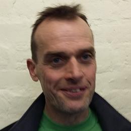 Mark Earl